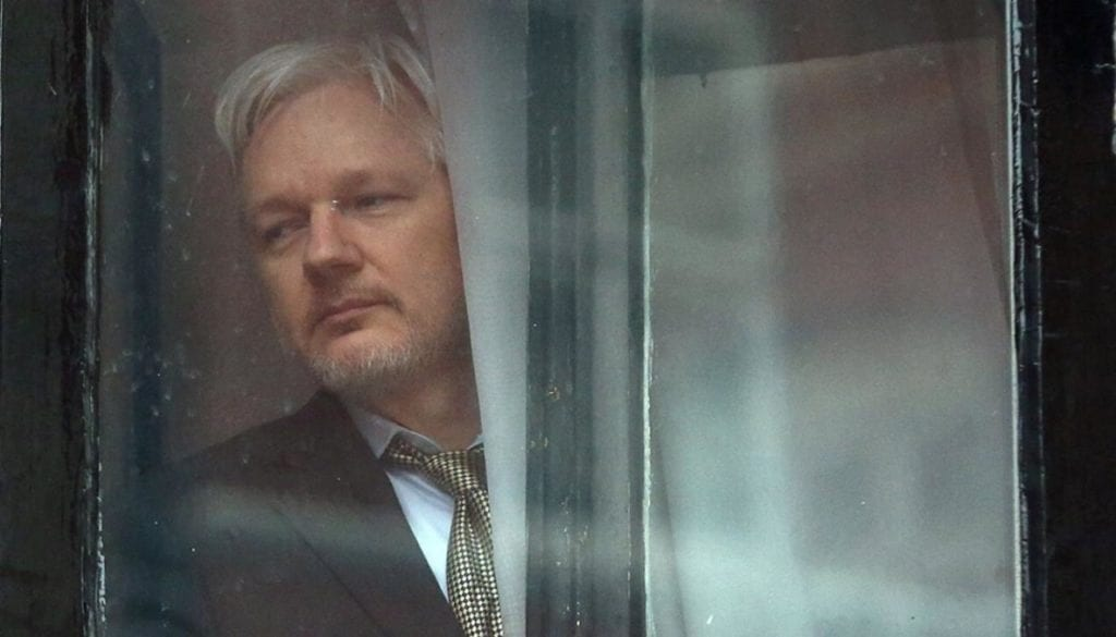 julian-assange-window-1120-getty