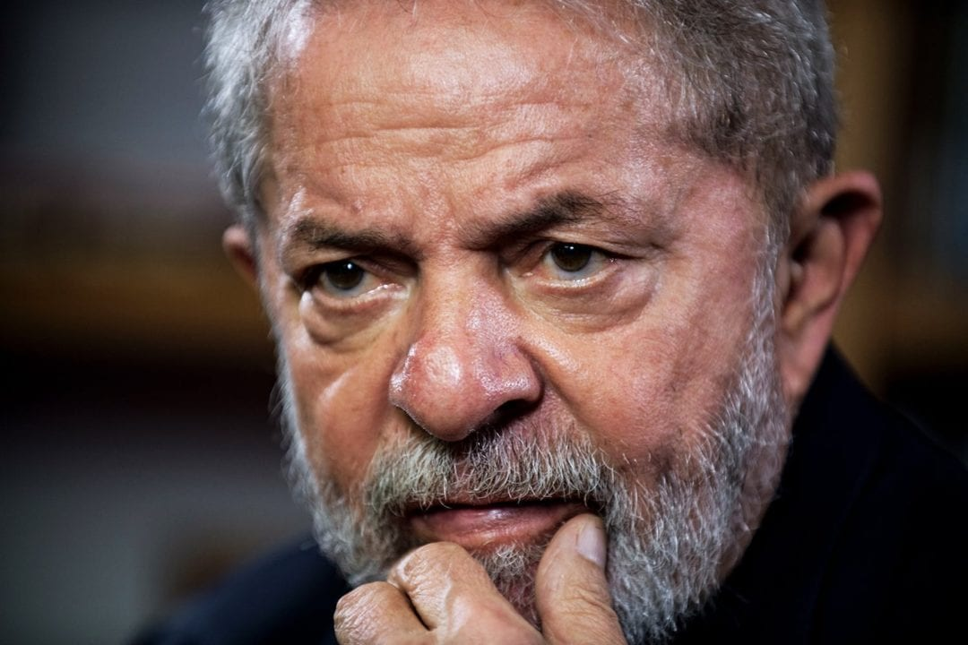 Former Brazilian president Luiz Inacio Lula da Silva gestures during an interview with AFP at Lula's Institute in Sao Paulo, Brazil, on March 1, 2018. / AFP PHOTO / NELSON ALMEIDA