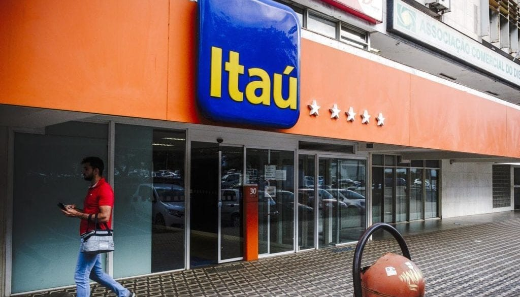 Itau Unibanco Holding SA Bank Branches As The Company Postpones Acquisition Of CorpBanc