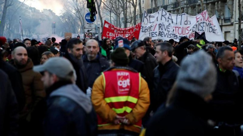 2020-01-16t152447z_892821826_rc23he9ovbqy_rtrmadp_3_france-protests-pensions (1)